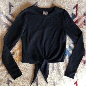 Divided lightweight sweater / long sleeve top